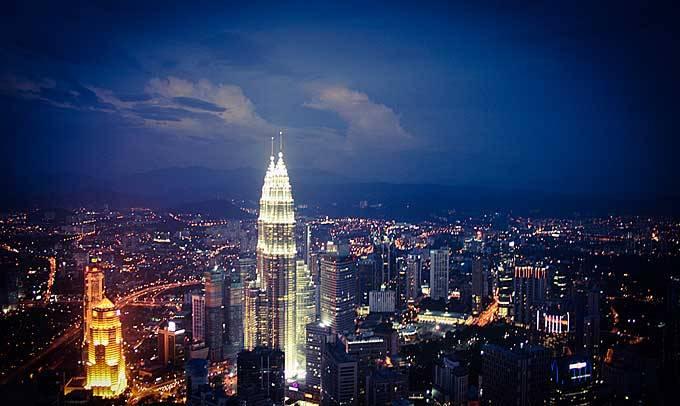 5. Куала-Лумпур Соскучились по городу? В столице Малайзии множество торговых центров и баров на крыш