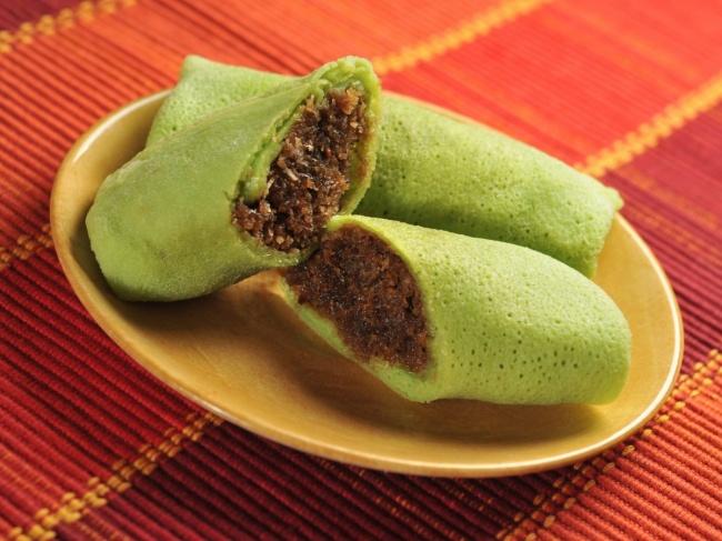 Панданус— это экзотическое растение сочень душистыми листьями, которые добавляют вомногие азиатск