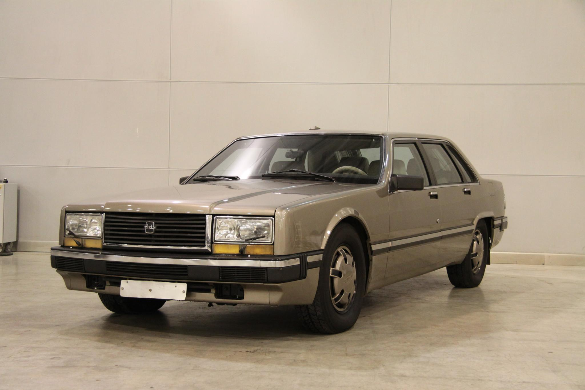 В 1988 году шестой цех ЗИЛа изготовил два опытных образца автомобиля ЗИЛ-4102. Седан показали делега