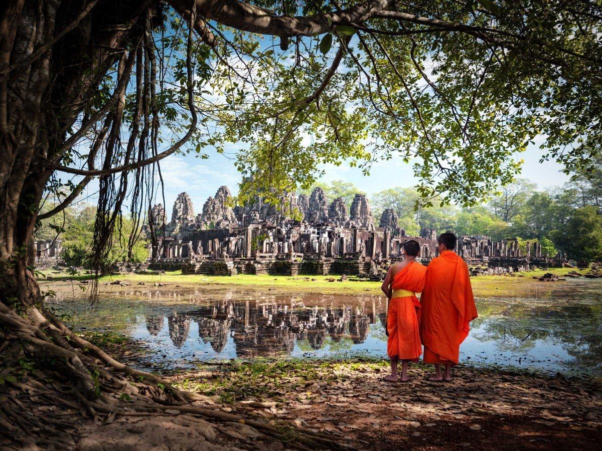 В городе Сиемреап в Камбодже находится древний храмовый комплекс Ангкор. Издание Lonely Planet назва