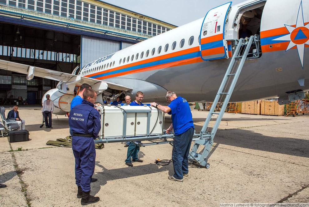 6. Один из модулей представляет собой транспортный инкубатор для перевозки новорожденных и недо