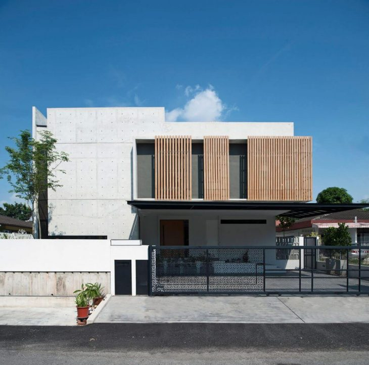 Seshan Design designed this contemporary concrete residence situated in Petaling Jaya, Selangor, Mal