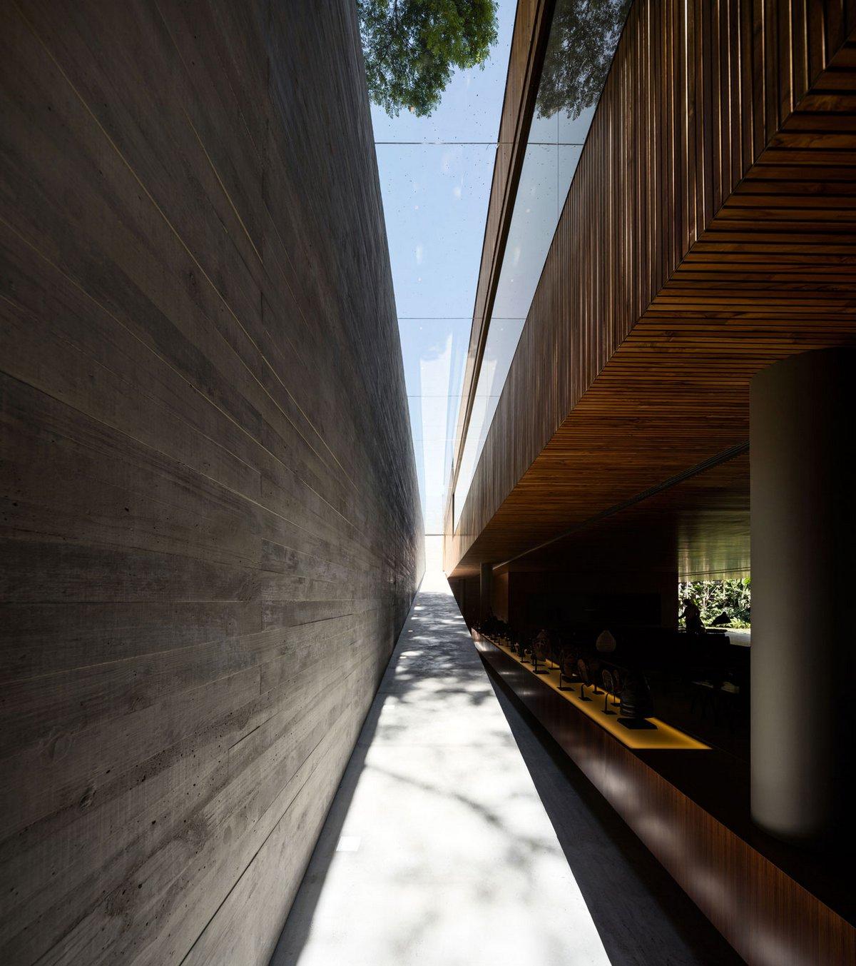 Studio mk27, Ramp House, Дома от Studio mk27, минимализм в интерьере фото, огромный особняк в Бразилии фото, роскошные особняки мира фото
