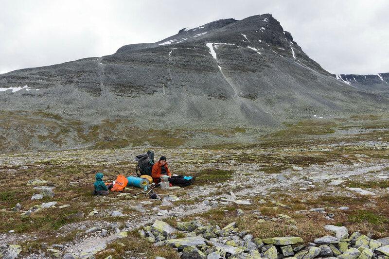 пеший поход с ребенком (1 год) в горах Норвегии