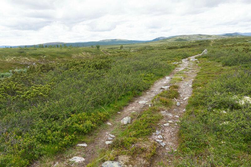 пешеходная тропа вдоль реки Дёра (Døra)