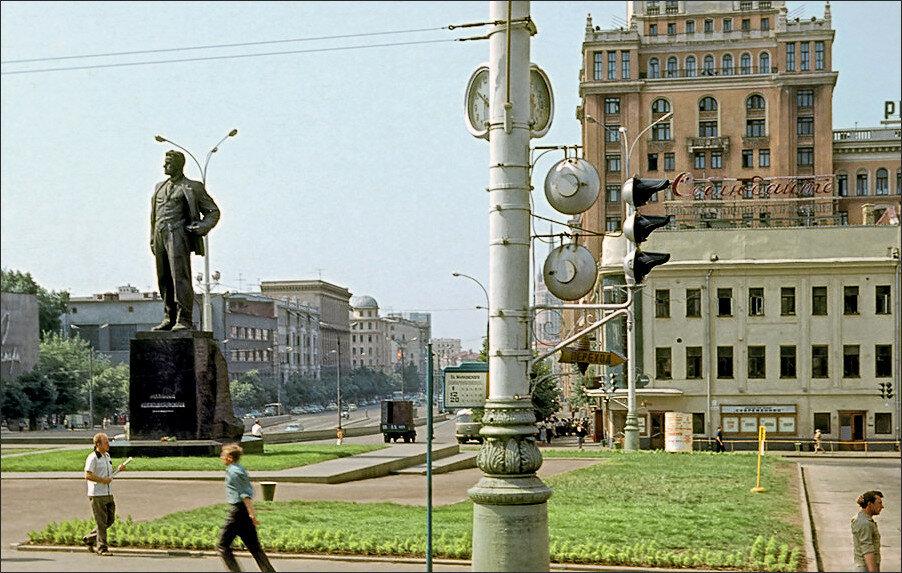 23088 Площадь Маяковского 1964 Erhard K..jpg