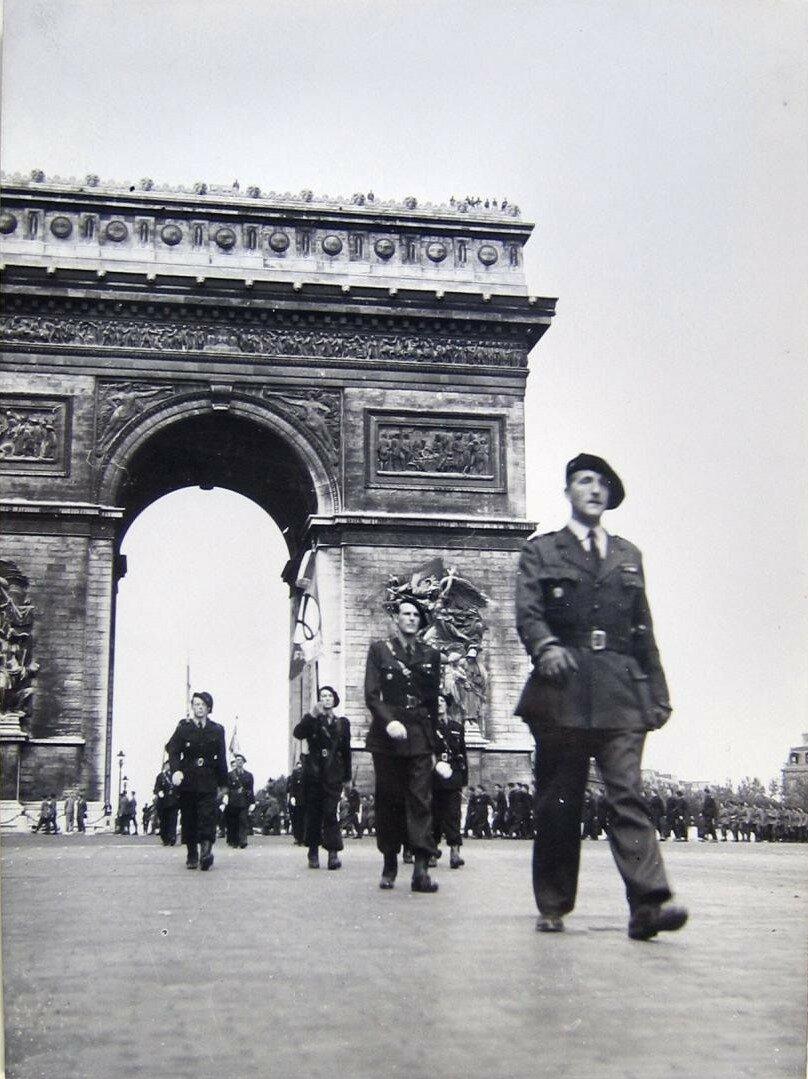 7 июля. Парад французской милиции после принятия присяги