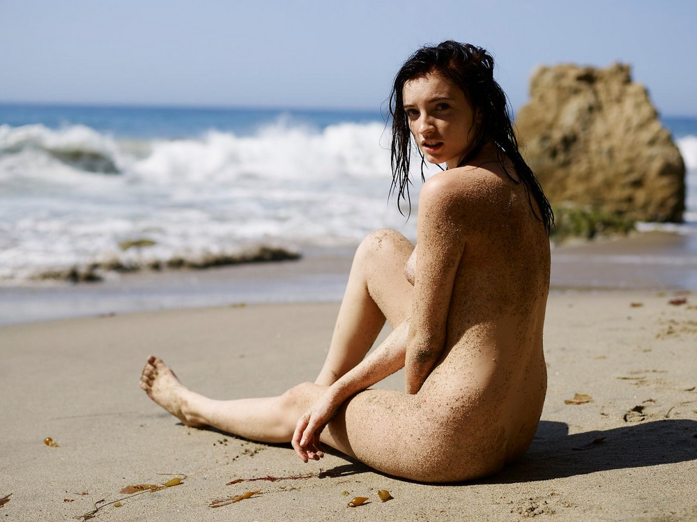 Ханна Маси в откровенной фотосессии