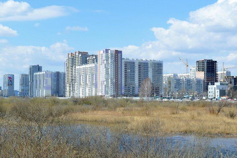 Весенний городской пейзаж