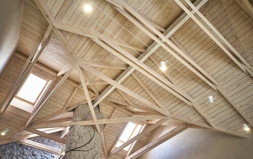 041 второй свет, деревянный потолок