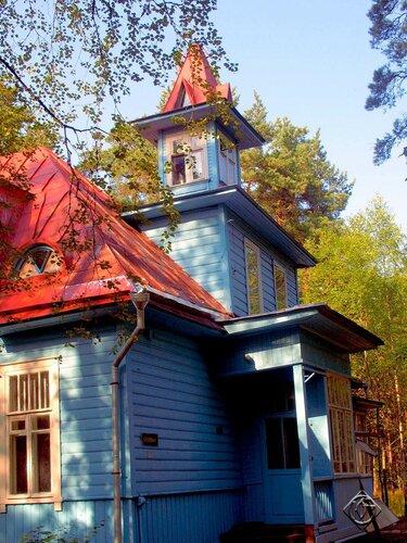 Башня  дома