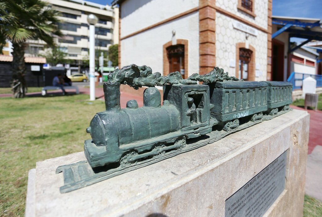 Ринкон-де-ла-Виктория. Здание железнодорожной станции (Antigua Estación de Ferrocarril)