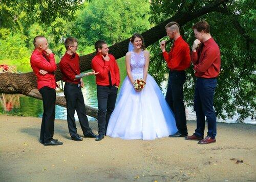 С друзьями жениха