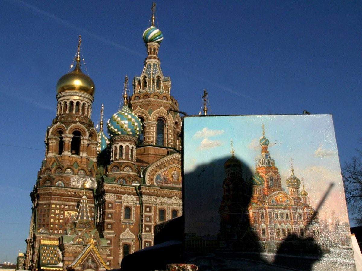 88. Насладитесь невероятно сложной архитектурой Санкт-Петербурга.