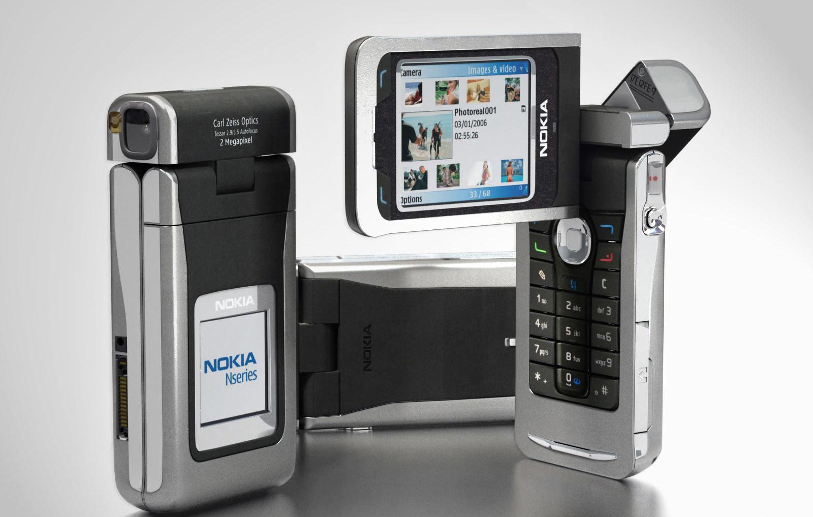2005 год: Nokia N90, телефон и камера, стал первым смартфоном Nokia. Это была передовая модель, кото