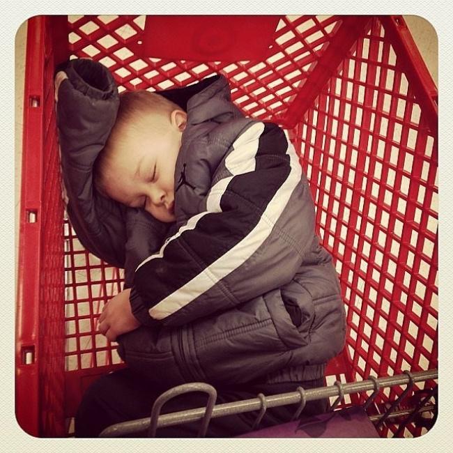 Уже сдетства шопинг бесконечно утомляет мужчин.