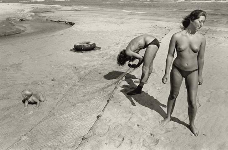 8. Все ходили голыми, и туристы старались не задавать лишних вопросов. Бывший житель лагеря Тейлор Р