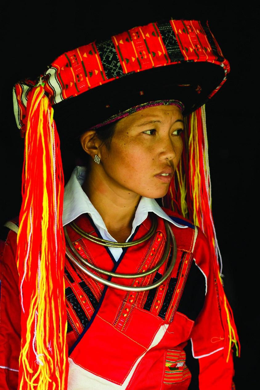 13. Ксин Тх Хуонг, 27 лет, живет в отдаленной деревне на севере Вьетнама. Фотограф говорит: «Она ска