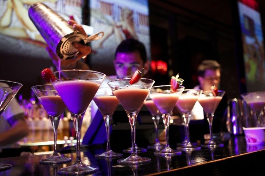 10. Неделя Коктейлей в Лондоне Каждый год в начале октября в Лондоне проводится Неделя Коктейлей. Лю