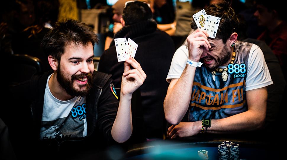 Покер — спортивная карточная игра, цель которой — выиграть ставки, собрав как можно более высокую по