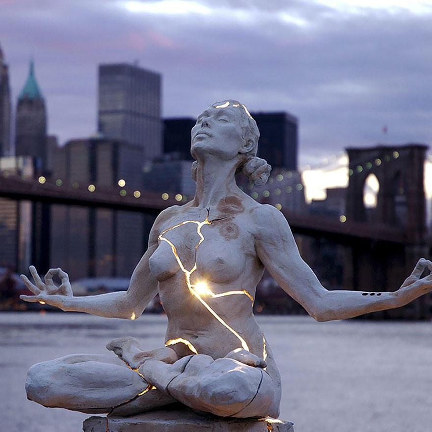 2. Раскрытие (Expansion), Нью-Йорк, США Автор так комментирует эту скульптуру: «С момента нашего рож