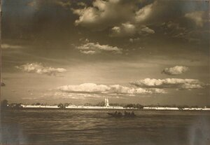 Вид на Труханов остров с Днепра.
