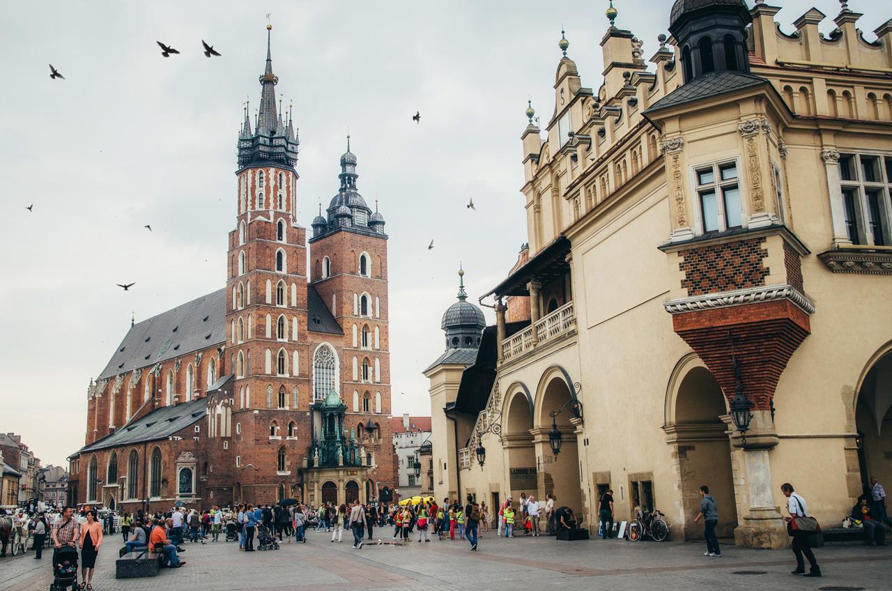 Старый город Кракова, центральная площадь, Мариацкий костел, Польша