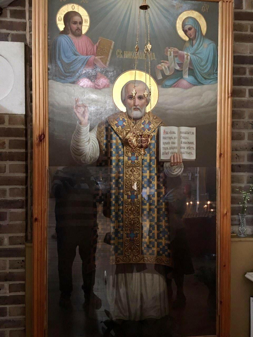 Каждый человек - это икона, которую нужно отреставрировать, чтобы увидеть Лик Божий. А.Сурожский