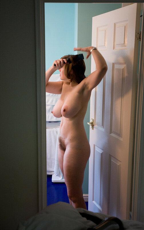 Хождение голой по квартире фото