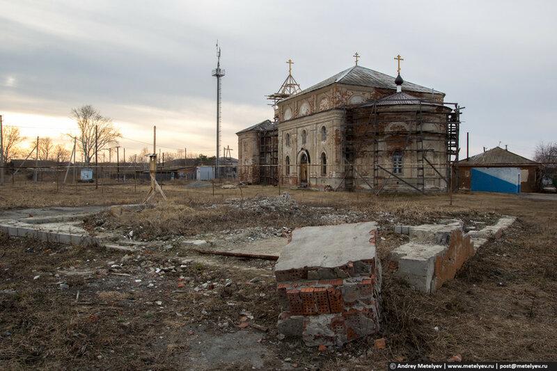 В селе Каменноозерское храм построен между 1849 и 1858.