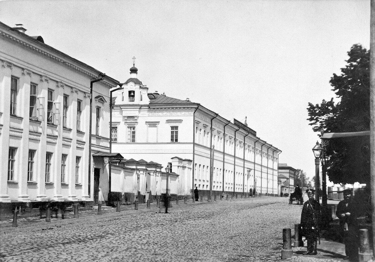 Александровский дворянский институт с церковью Александра Невского