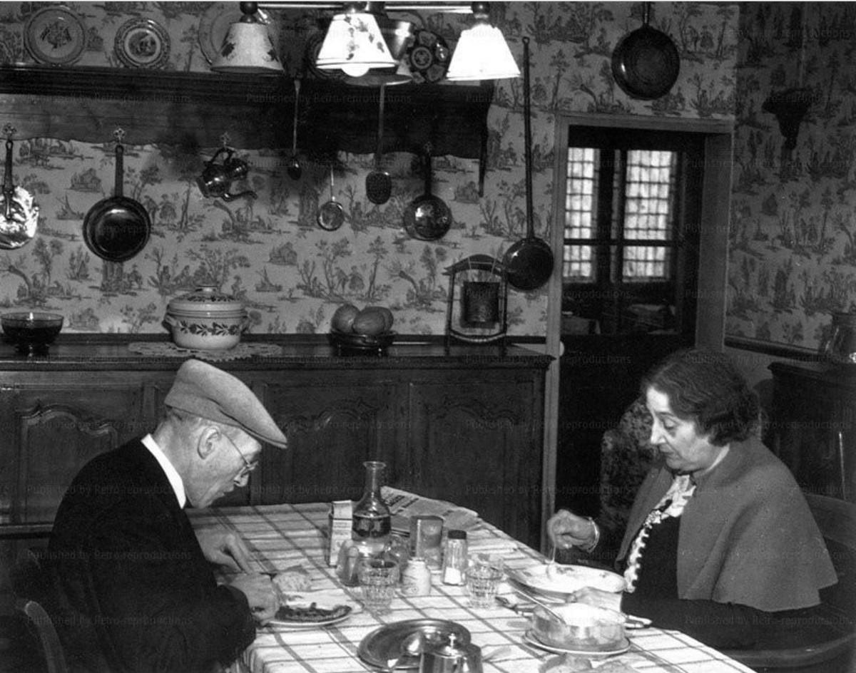 1930-е. За столом
