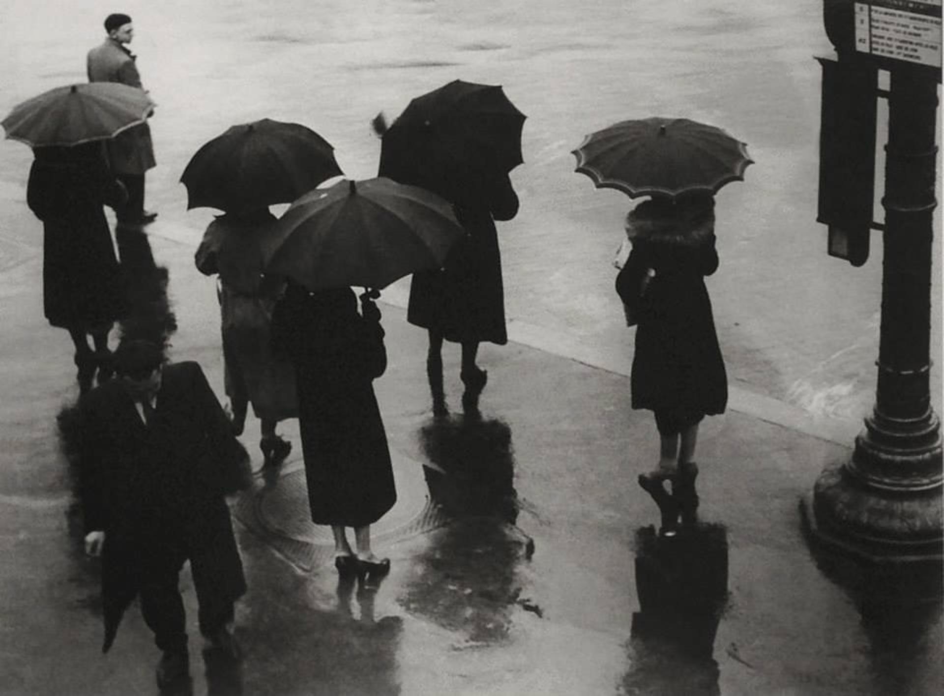 1937. Улица Риволи в дождь