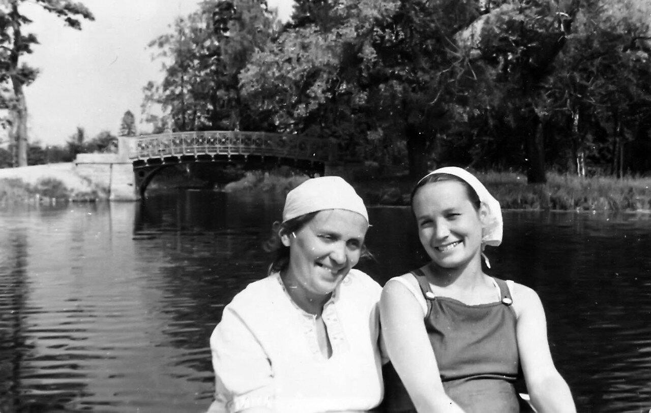 1952. В Гатчинском парке