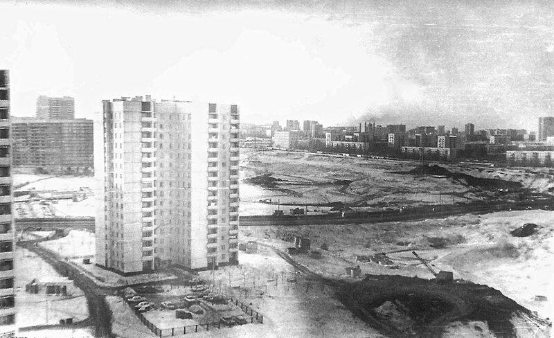 Вид на Северное Чертаново, Чертановскую улицу и Балаклавский проспект с дома по Сумскому 8-2