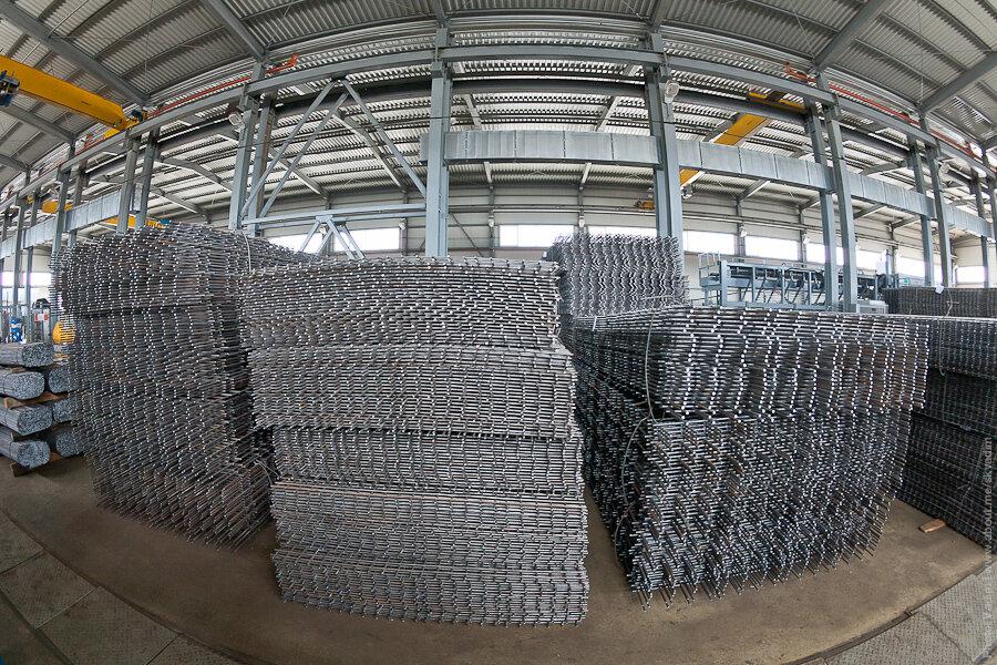 Складирование арматурных сеток / Storage of reinforcing mesh