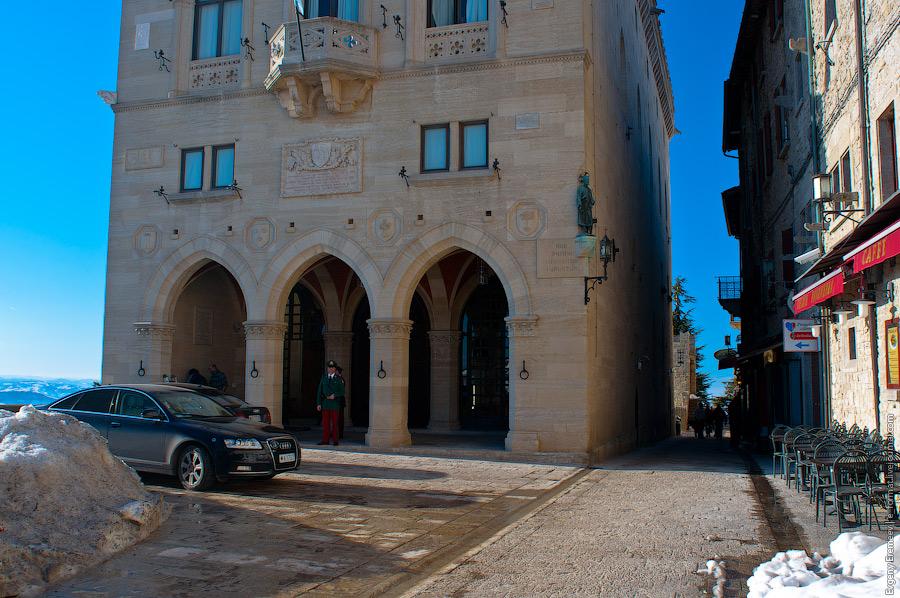 Главная церковь города – Базилика-дель-Санте