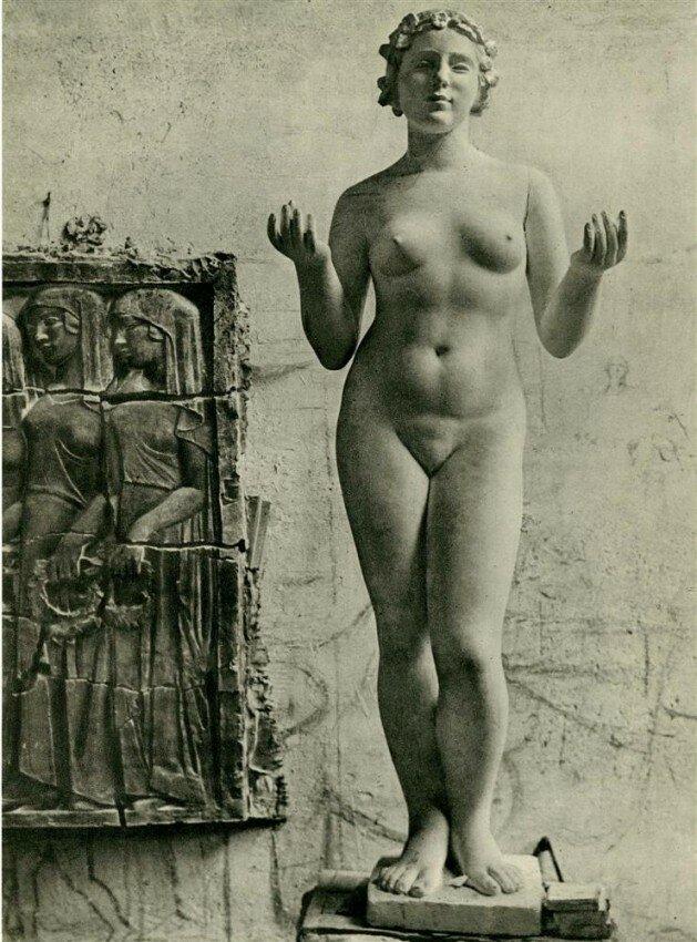 Brassaï.1930s.nude sculpture Aristide Maillol