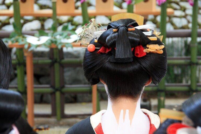 Японская женская причёска