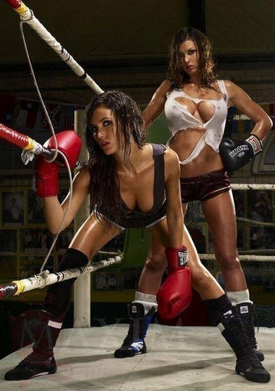 Мега смотреть видео девки на ринге онлайн грубо ебут