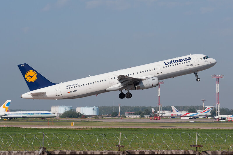 Airbus A321-131 (D-AIRW) Lufthansa DSC2817a