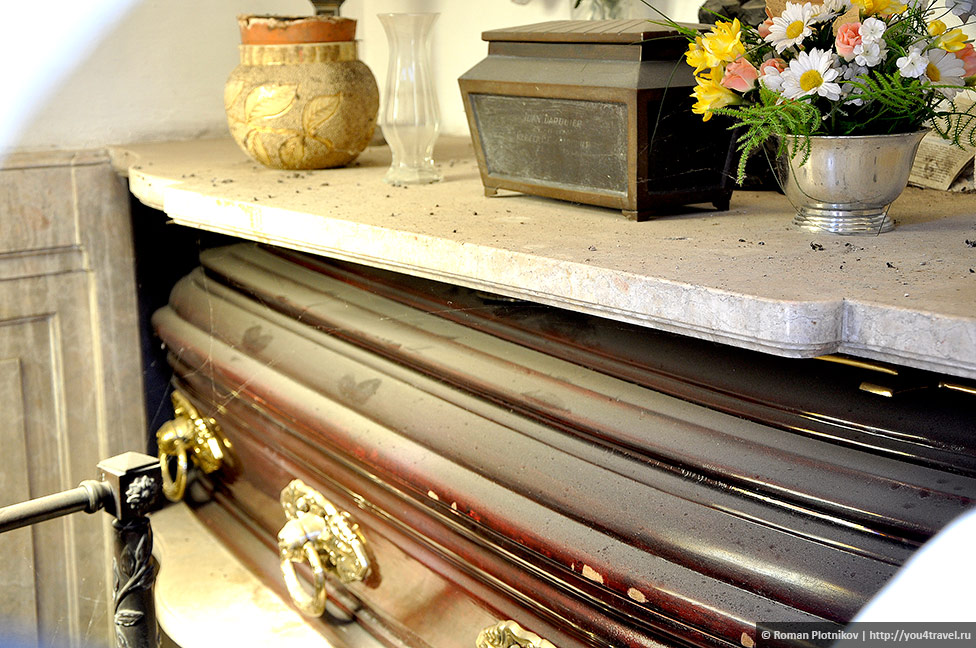 0 3c6d16 866f6498 orig День 415 419. Реколета: фешенебельный район и знаменитое кладбище Буэнос Айреса (часть 1)