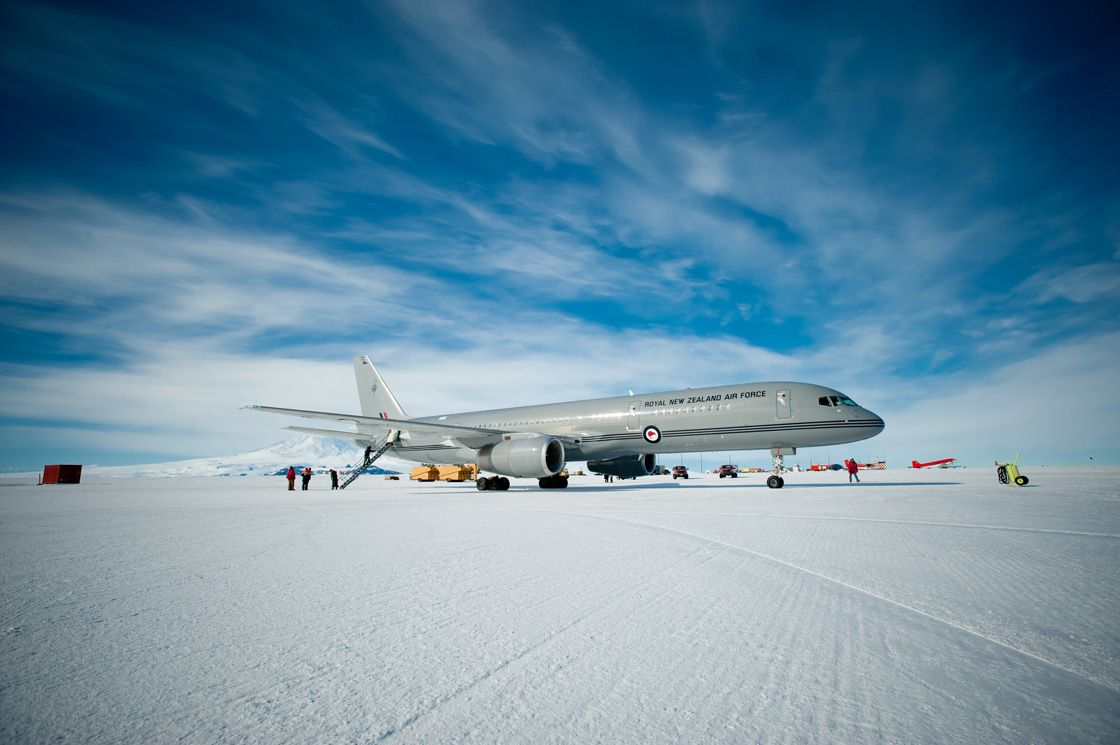 Человек ступил на берег Антарктиды