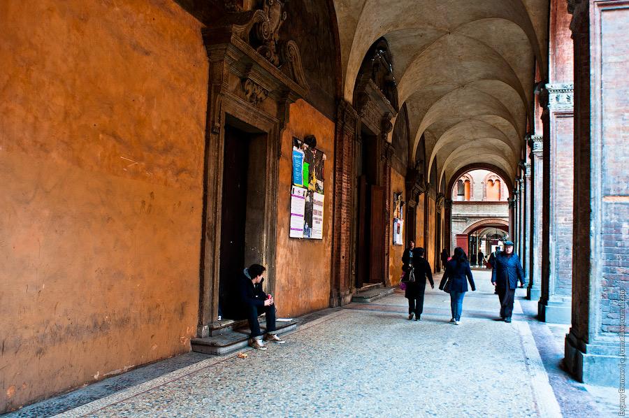 В центре Болоньи более 35 км арок
