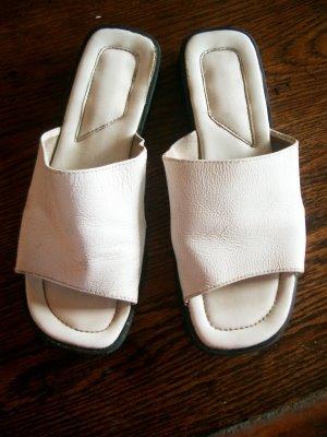 Роспись обуви маркерами