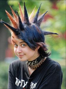 Панк с зелными волосами