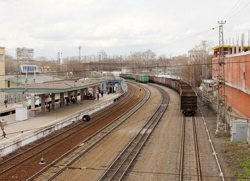 Нрузы на станции Тушино, вид на Волоколамск