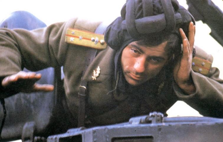 soldier-during-fighting-romanian-revolution-revolutia-romana-1989.jpg