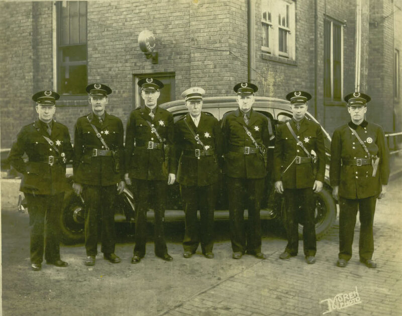 Chillicothe (MO) United States  city photos : ... Row Police Force standing in front of City Hall . United States. 1911