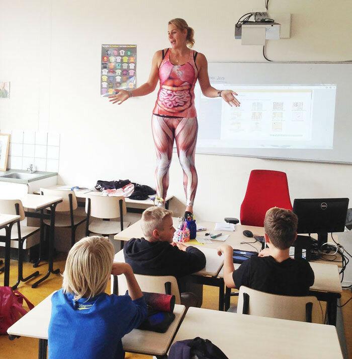 Смотреть онлайн преподавательница анатомии 9 фотография